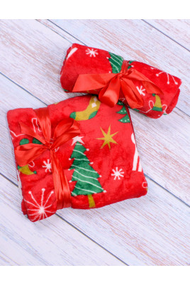 Мягенький плед в новогодней тематике станет отличным подарком малышу. Такой пледик будет согревать малыша в прохладные зимние вечера. Размер 90*90 см