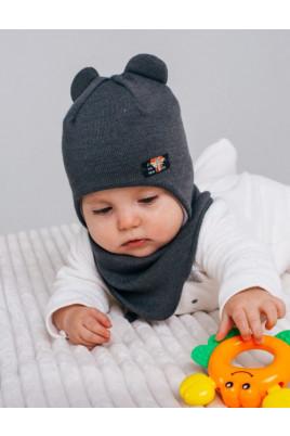 Стильный набор для малышей шапочка с ушками и нашивкой плюс манишка ТМ Жоржик