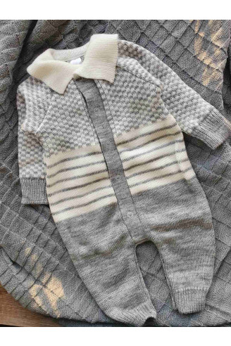 комбинезон вязаный малышу